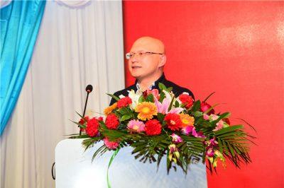 干市场,没有愚公移山的精神不能成事 ——专访赢信慧通市场部总经理李帅